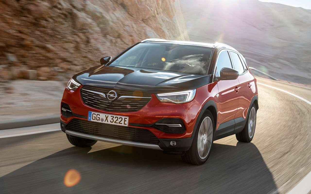 Новая модель дляРоссии: первый обзор Opel Grandland X— фото 999945