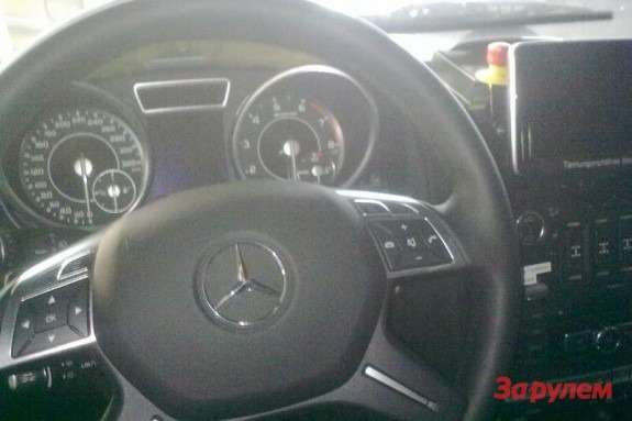 Mercedes-Benz G65AMG steering wheel
