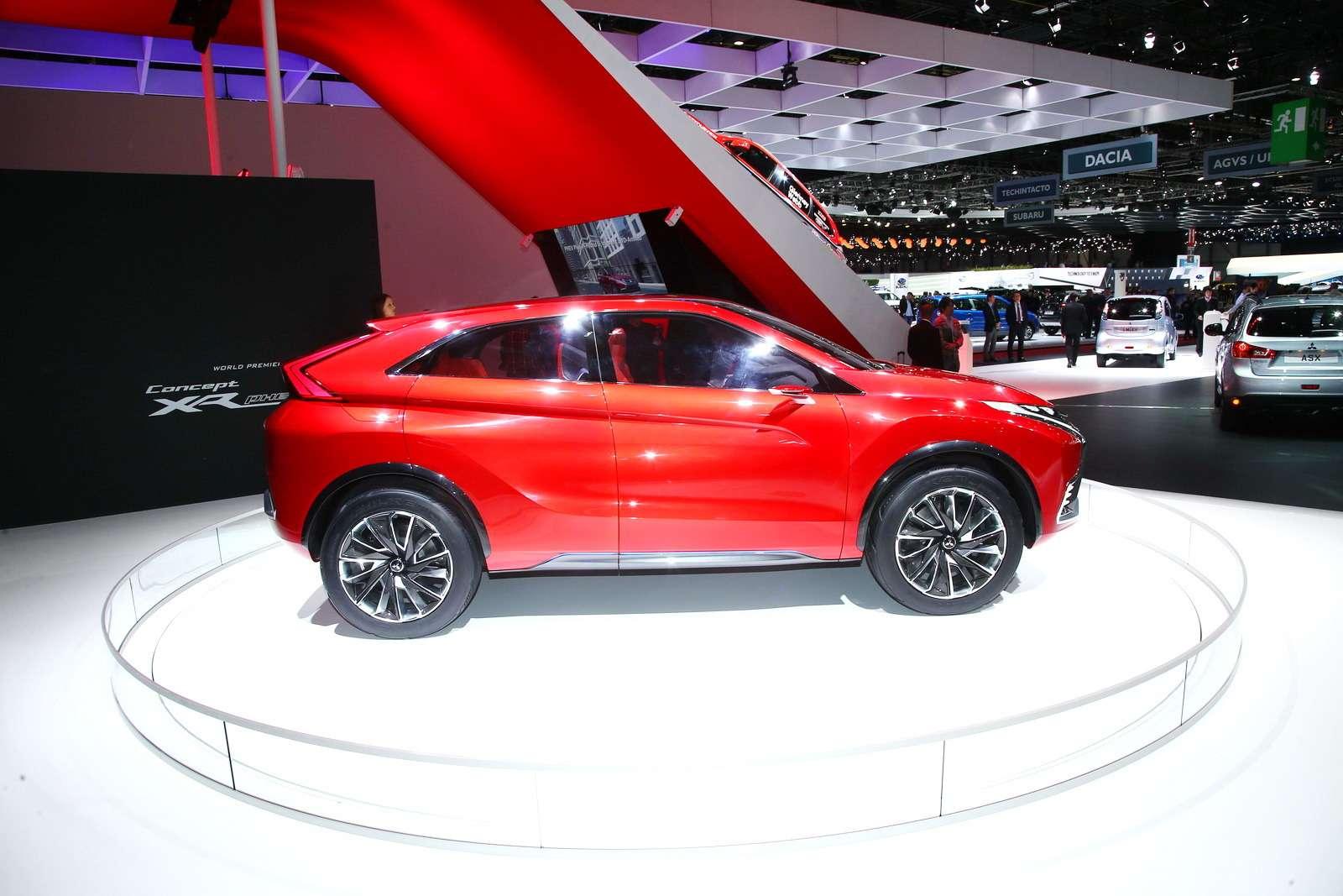 Mitsubishi XR-PHEV II 4_новый размер_exposure