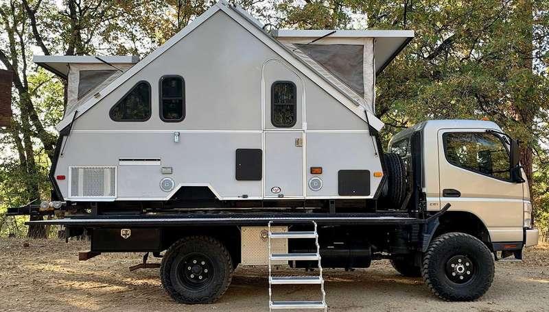 Кемпер ввиде домика: прямо вкузове грузовика