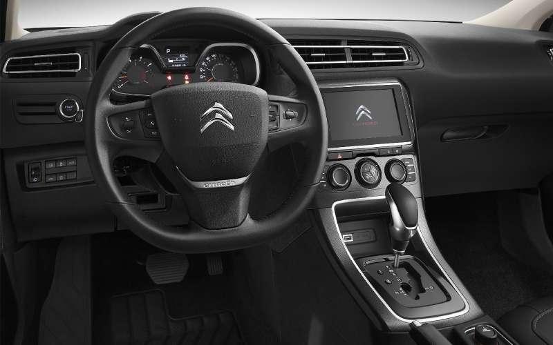 Обновленный Citroen C4седан пришел сВостока