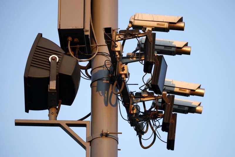Дорожные камеры начинают распознавать лихачей