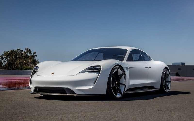 Самым популярным электромобилем в России стал Porsche Taycan