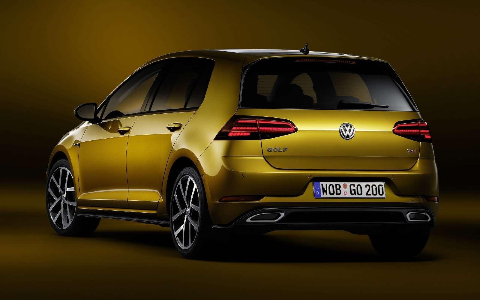 Дальнейшая оцифровка: Volkswagen представил обновленный Golf— фото 661702