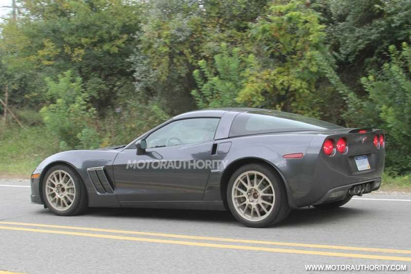 2014-chevrolet-corvette-c7-spy-shots_100366025_l