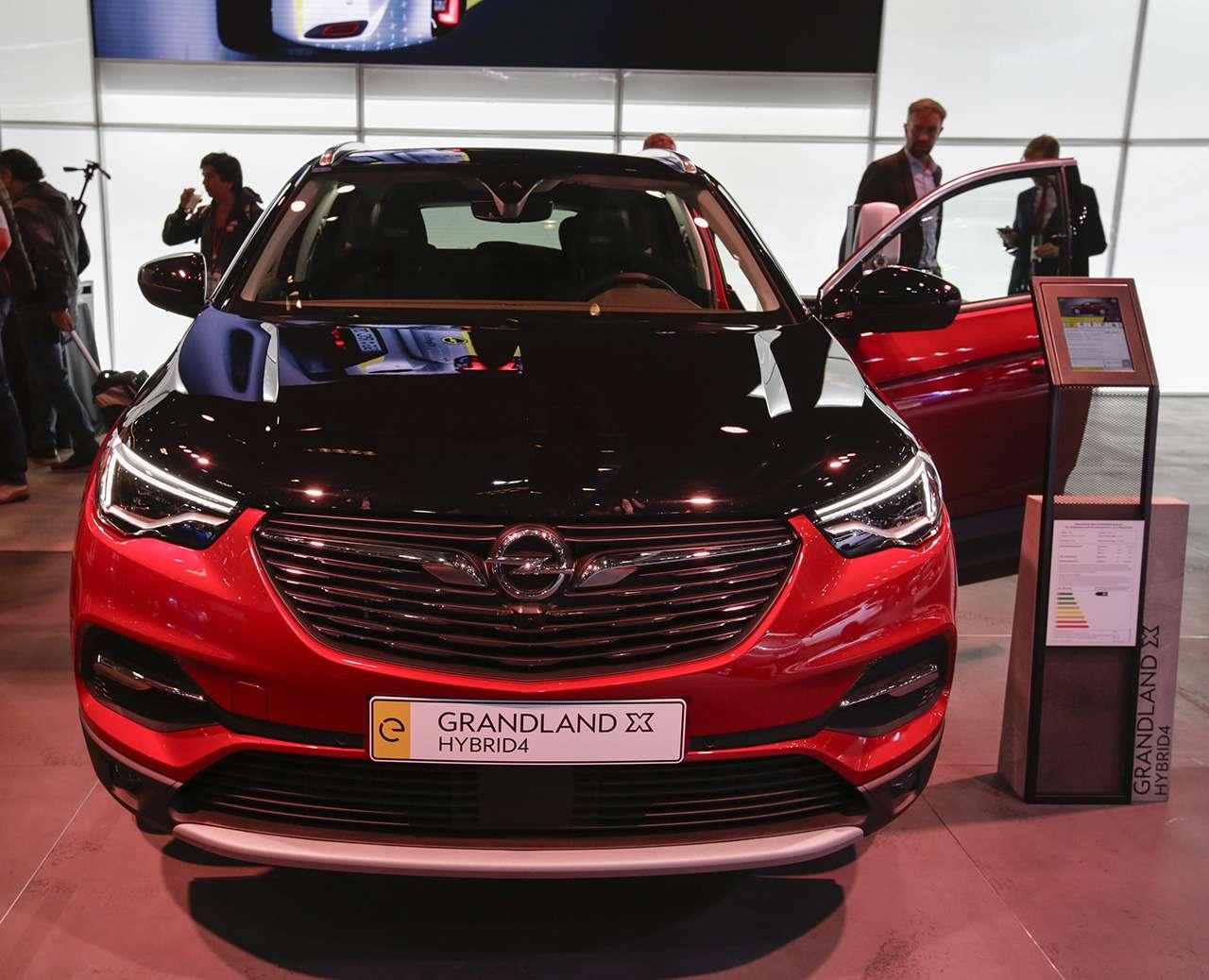 Новая модель дляРоссии: первый обзор Opel Grandland X— фото 999951