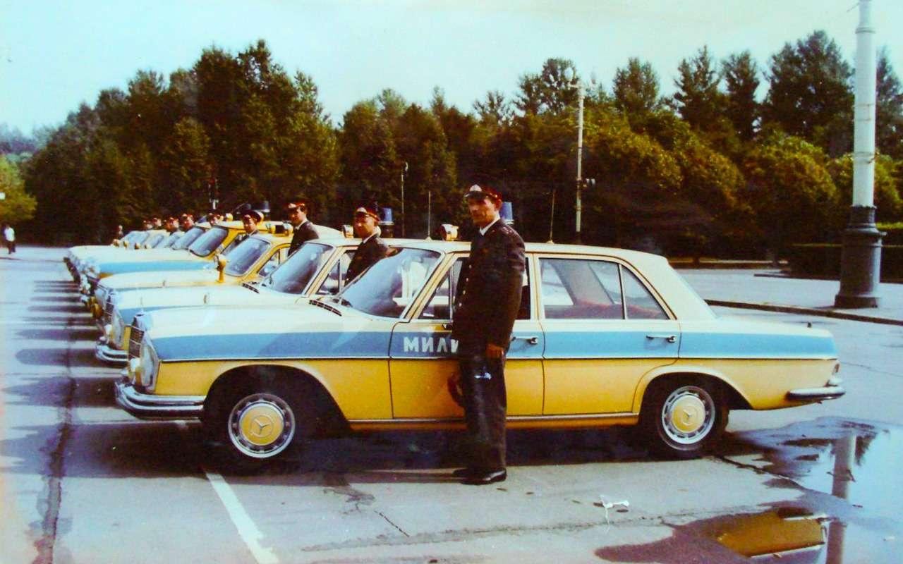 Резервы советской милиции: 11иномарок смигалками игербами— фото 1276721