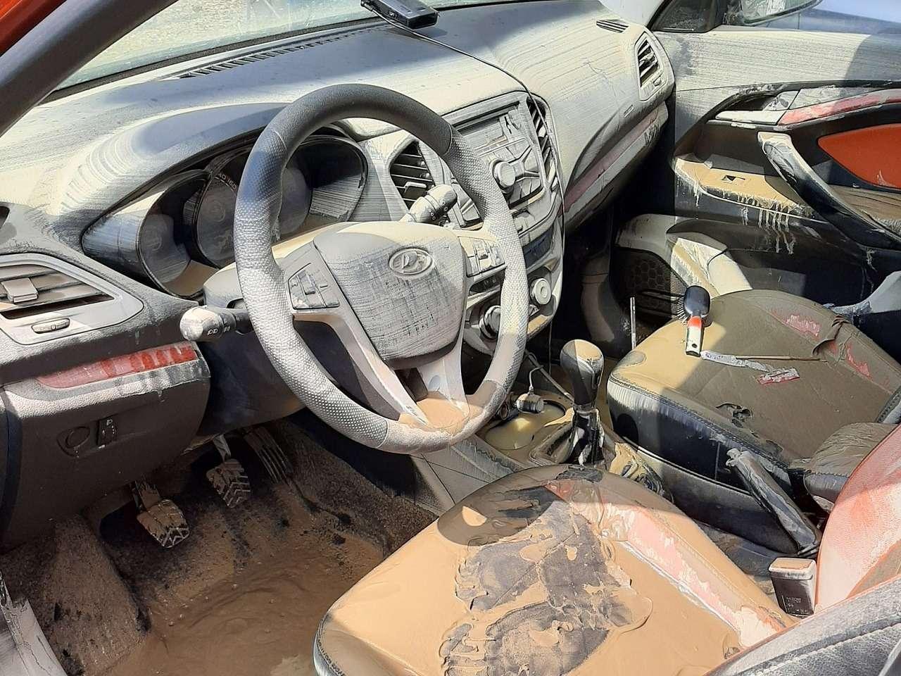 Владелец Весты показал свою машину после потопа вКраснодарском крае— фото 1260513