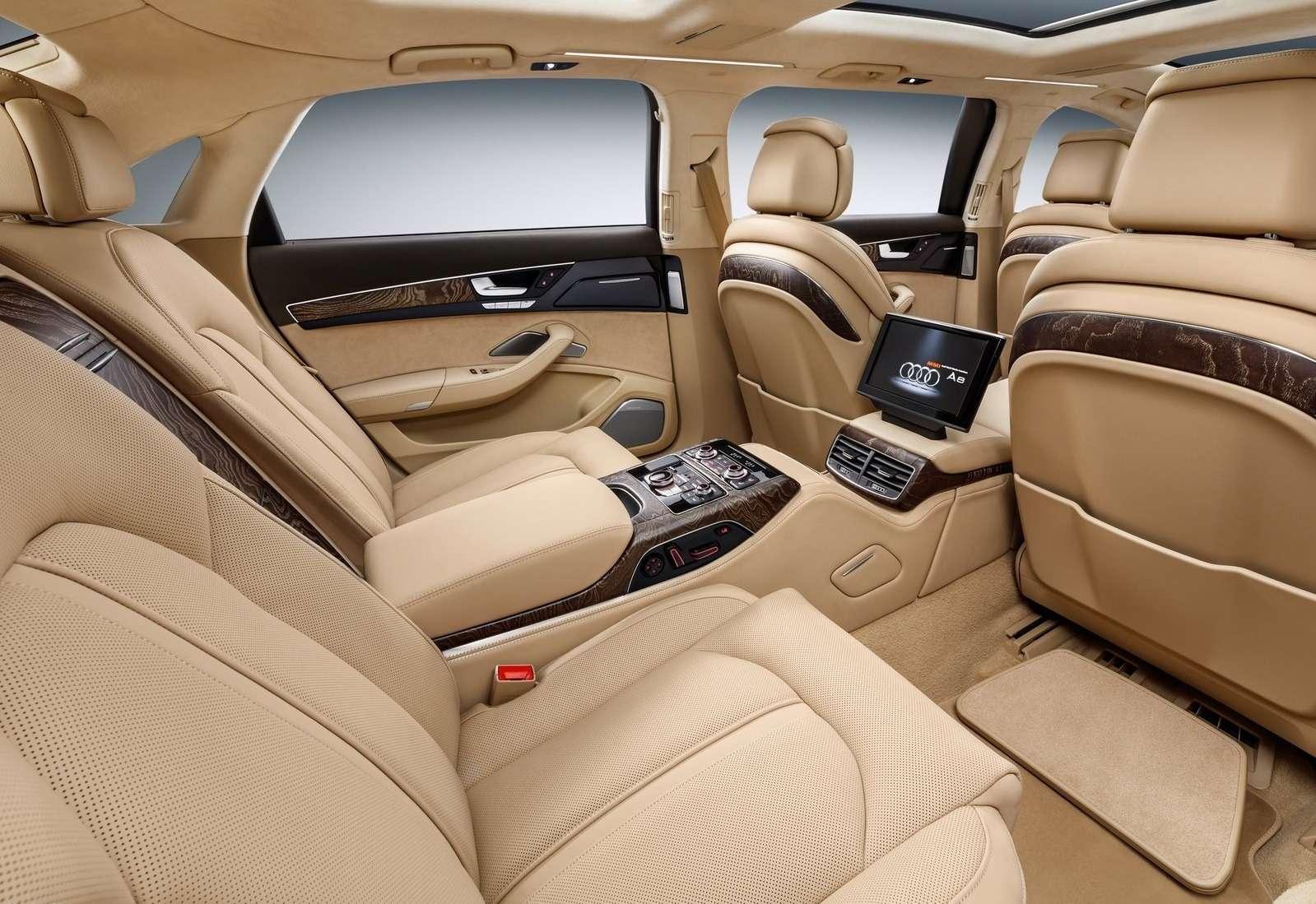 «Автобус» класса люкс: Audi A8 растянулся в угоду королевским запросам - фото 574392