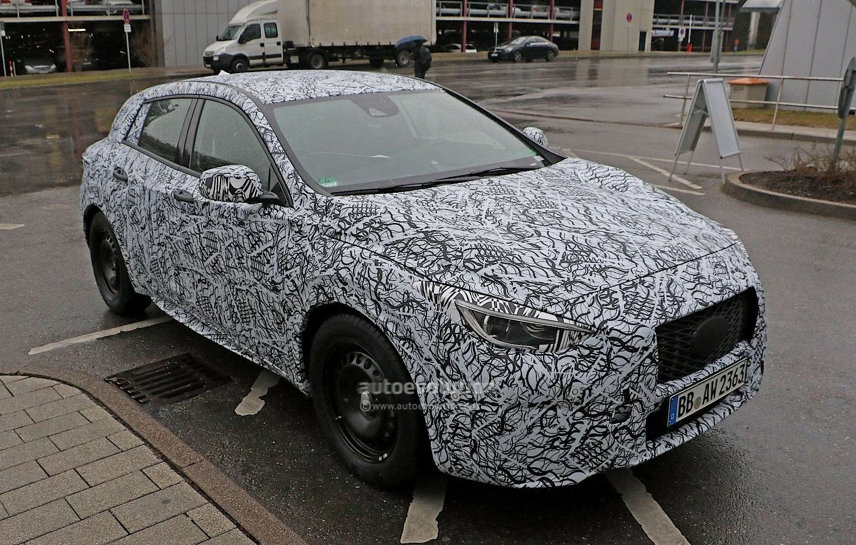infiniti-q30-confirmed-to-debut-at-the-frankfurt-motor-show-photo-gallery_2