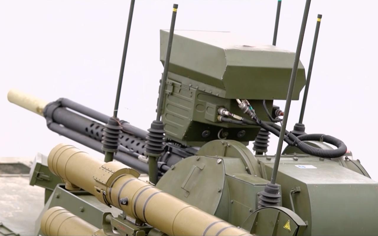 Тест-драйв боевого военного робота «Уран-9»— фото 927693
