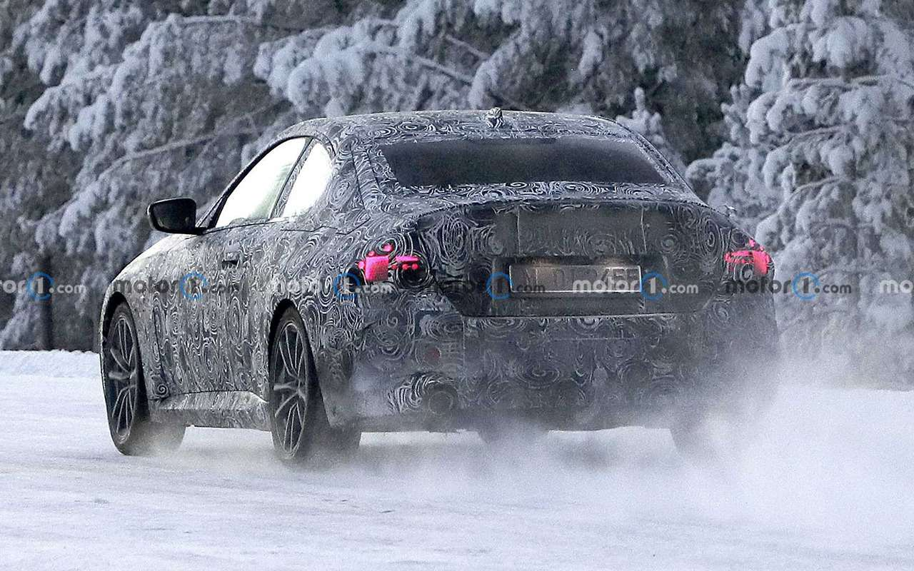 Купе BMW 2-й серии вкамуфляже: фото стестов— фото 1217993