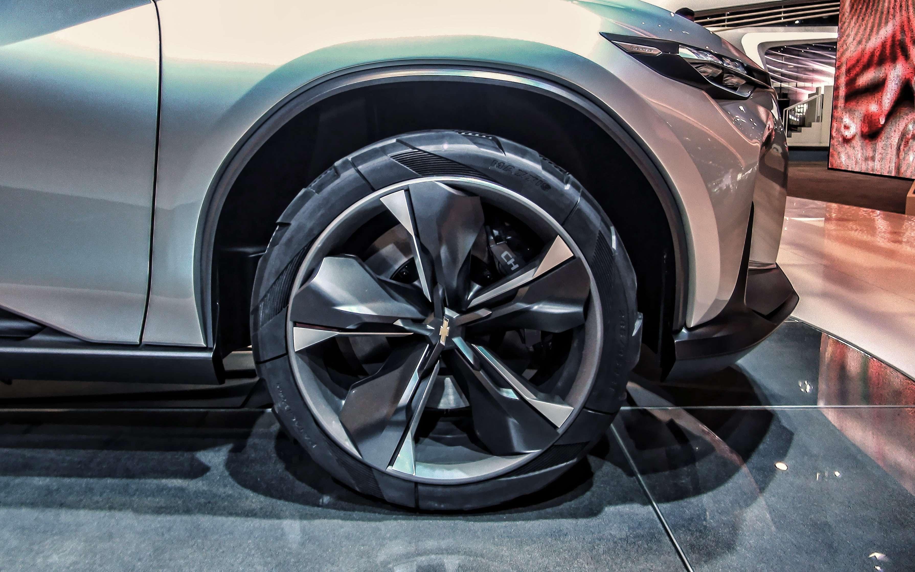 Новый Tiggo 5, будущая Camry идругие: онлайн-трансляция сШанхайского автосалона— фото 739324