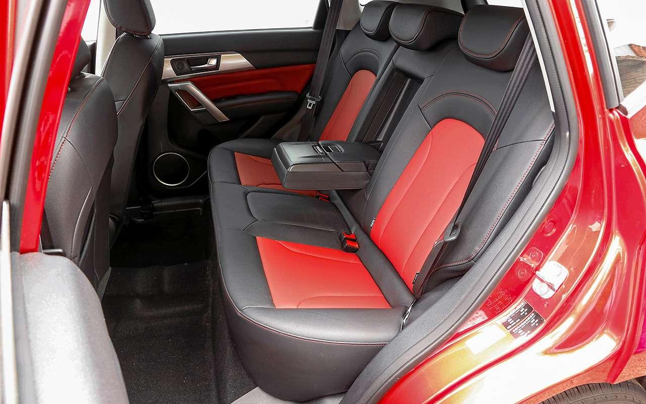 Большой тест кроссоверов: обновленный Ford EcoSport иконкуренты— фото 911202