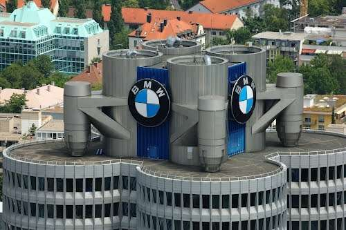no copyright bmw hq logo