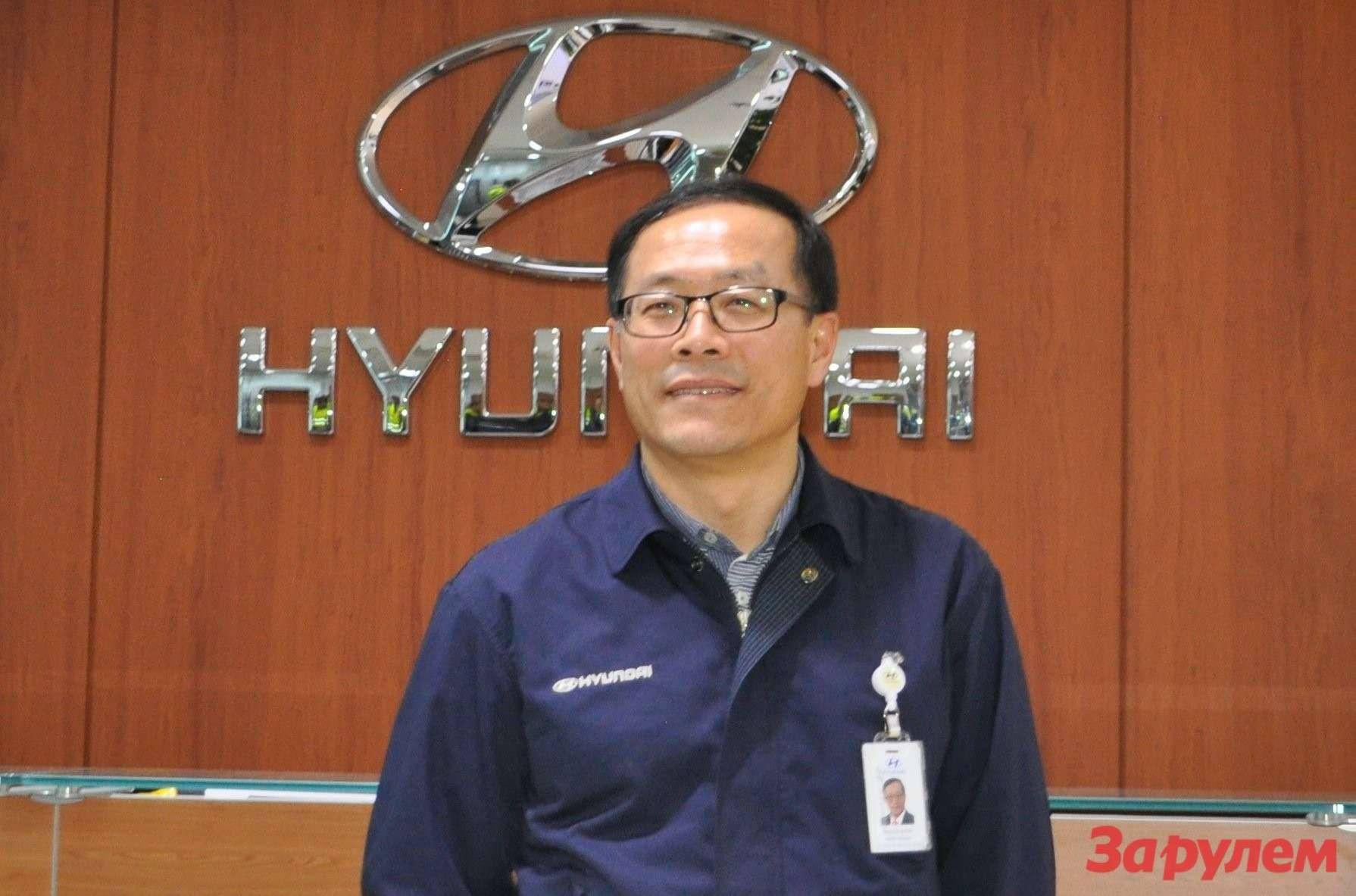 Исполнительный директор Ким Ши Пёнг.