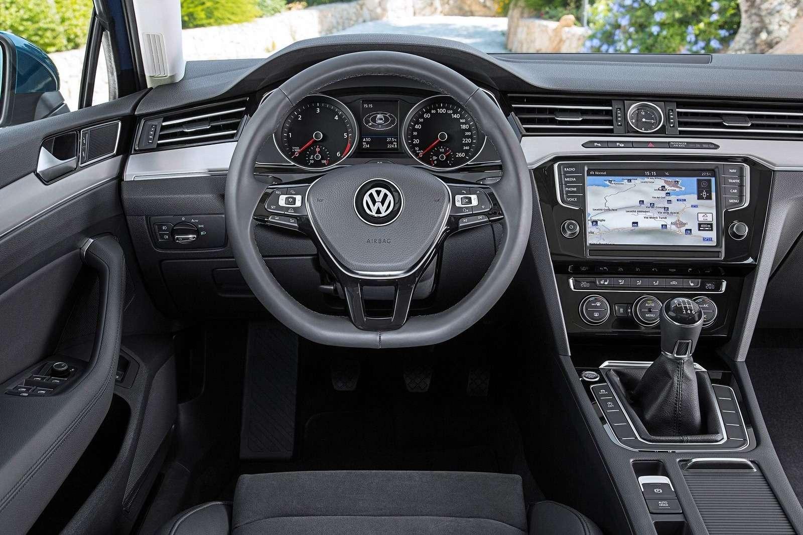 Volkswagen-Passat_2015_1600x1200_wallpaper_26