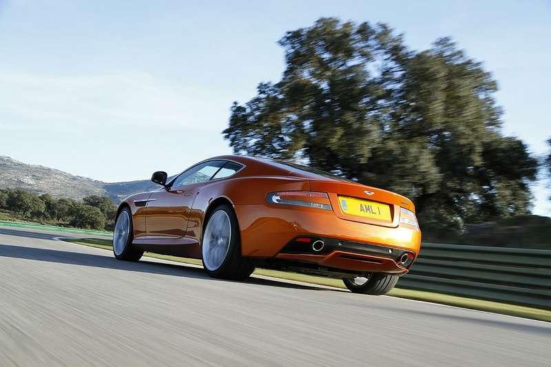 Aston-Martin-Virage_05