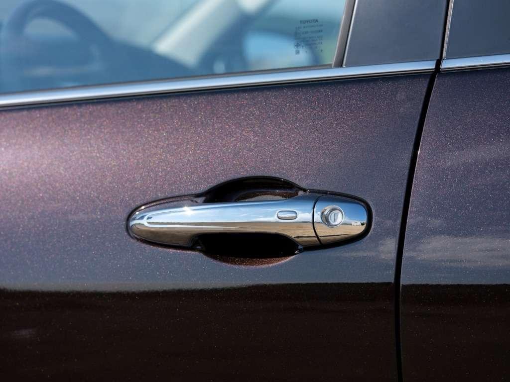 Toyota Fortuner вРоссии будет доступен только стурбодизелем— фото 779055