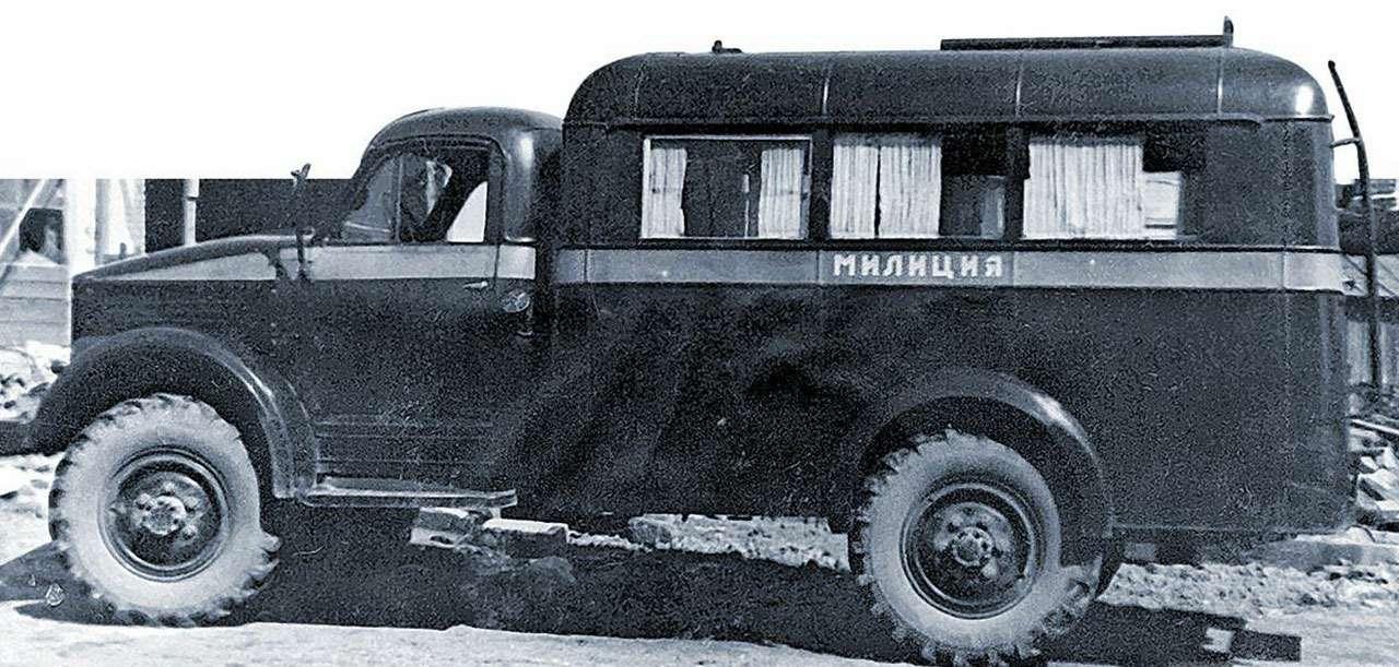Всемашины нашей милиции: малолитражки, внедорожники, грузовики!— фото 1079915