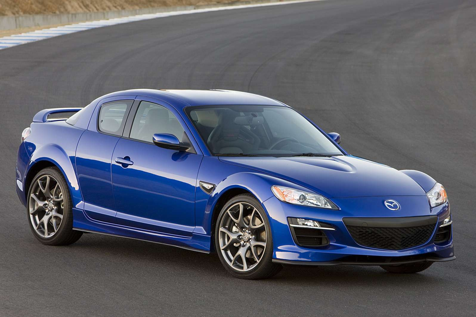 Mazda-RX-8_2009_1600x1200_wallpaper_04