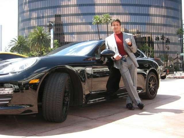 Сталлоне выставил нааукцион Porsche Panamera