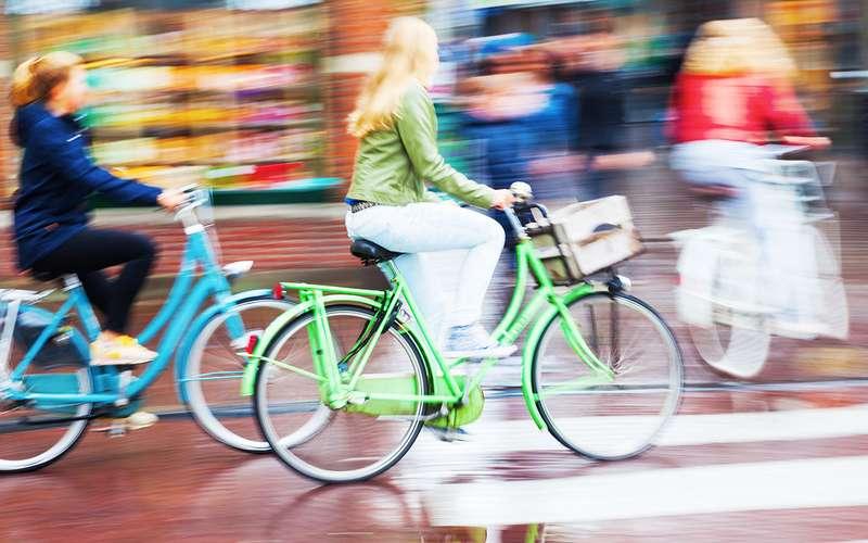 ВРФ появятся новые правила поведения водителей поотношению квелосипедистам