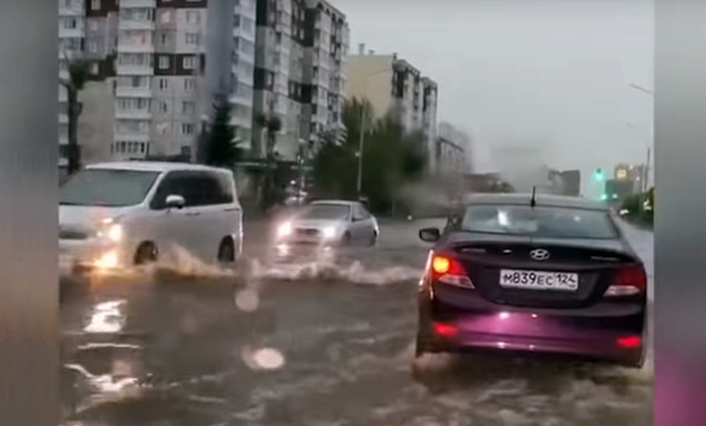 Потоп вКрасноярске: «машины плыли как кораблики»