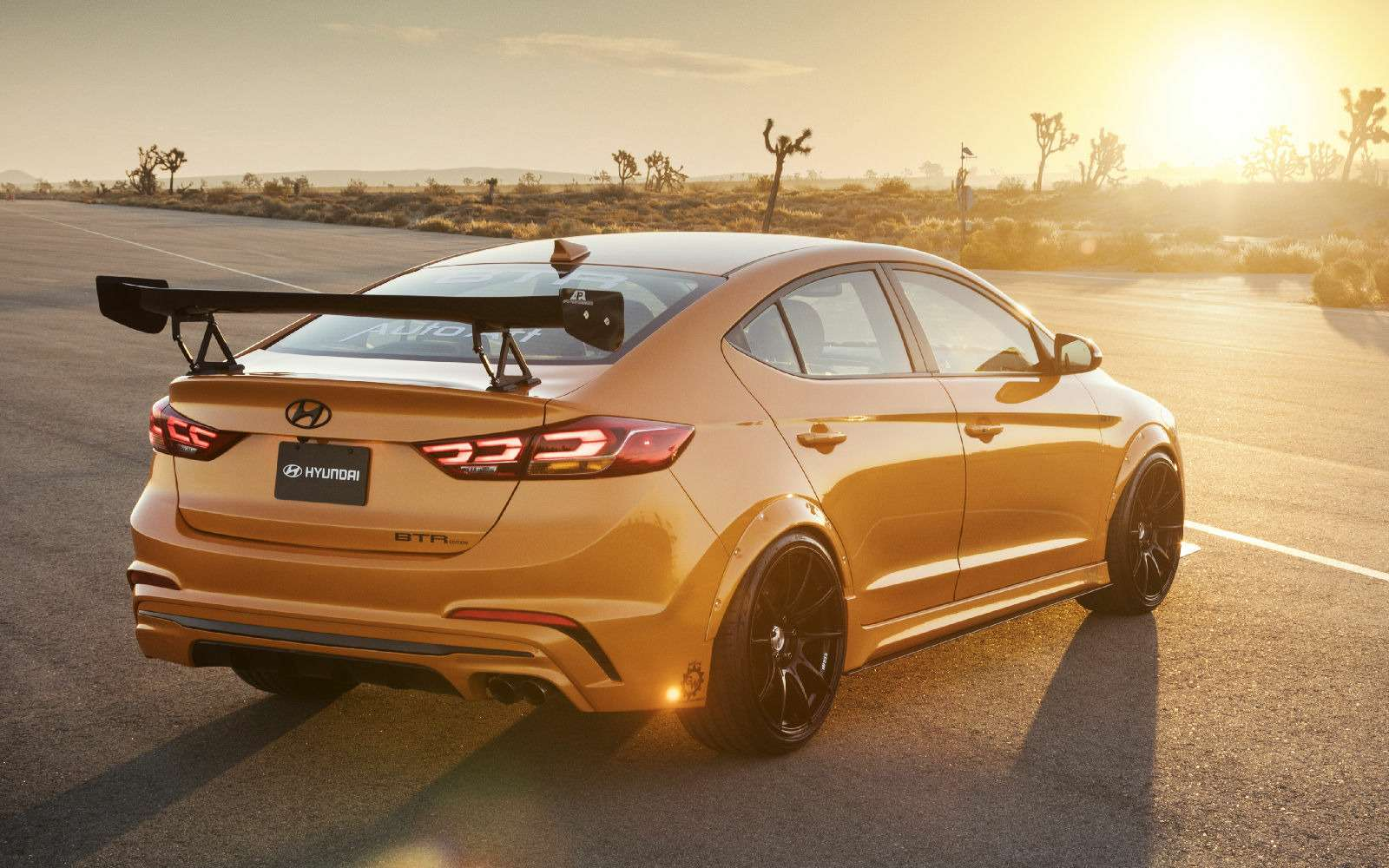Тюнинг-шоу вЛас-Вегасе— крутые экспонаты Hyundai— фото 811980