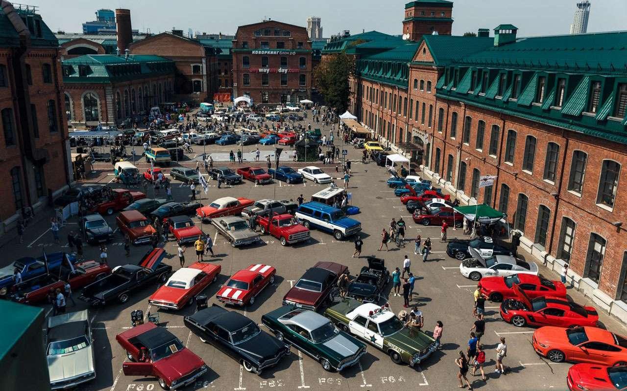 Лучшие переделанные авто имотоциклы: ввыходные на«Кастом Конвенции»— фото 986707