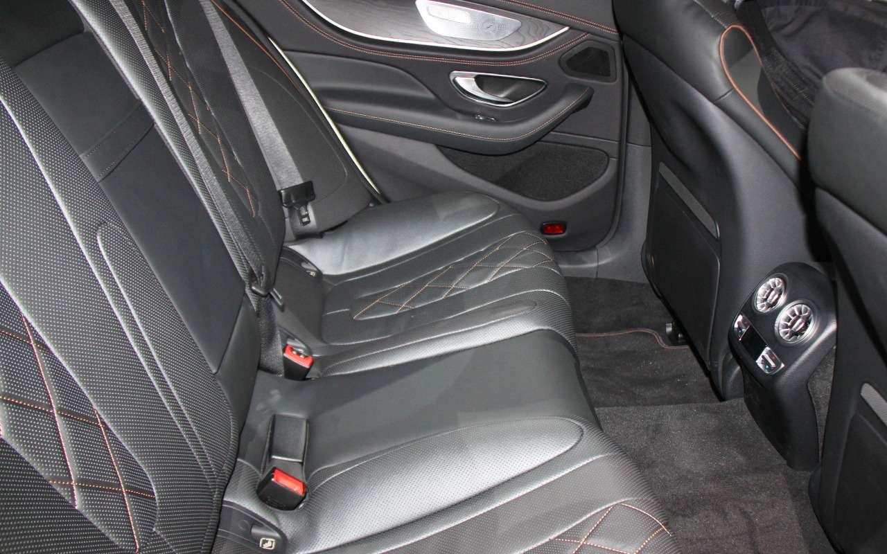 Новая Camry идругие премьеры автосалона вЛос-Анджелесе— фото 821752