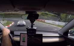 Tesla Roadster возвращается кЗемле на82тыс. км/ч