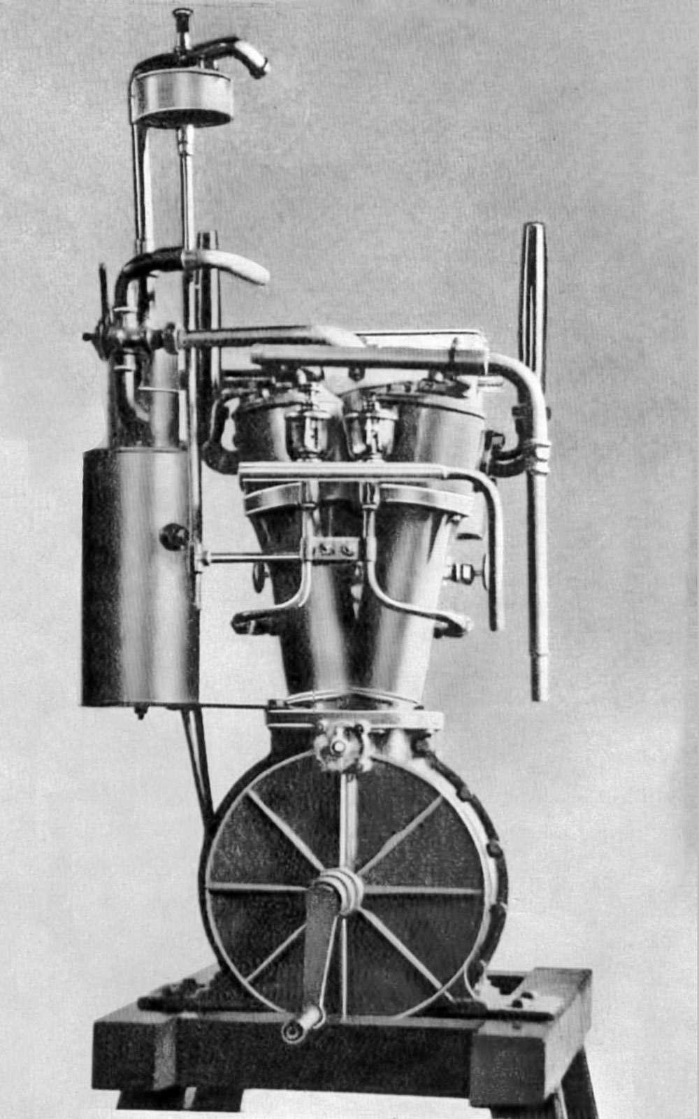 Вспоминаем первые автомобили: прелюдия длятелеги смотором— фото 694124