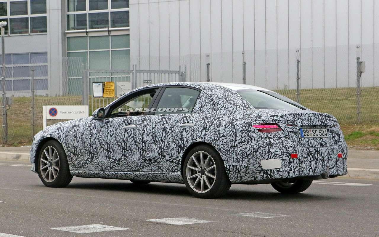 Mercedes-Benz C-класса получит огромный дисплей-планшет— фото 1130463