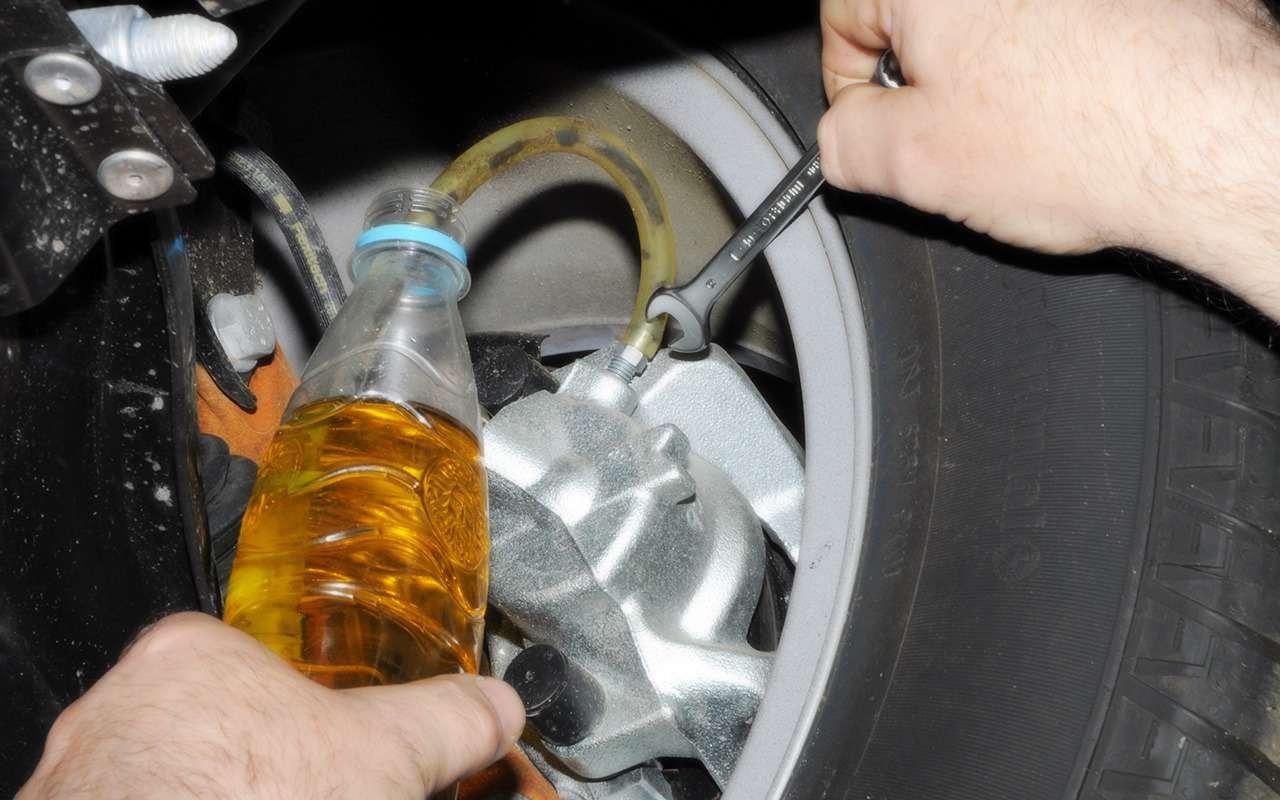 Что и когда стоит заливать в Renault Duster: советы эксперта — фото 1007299