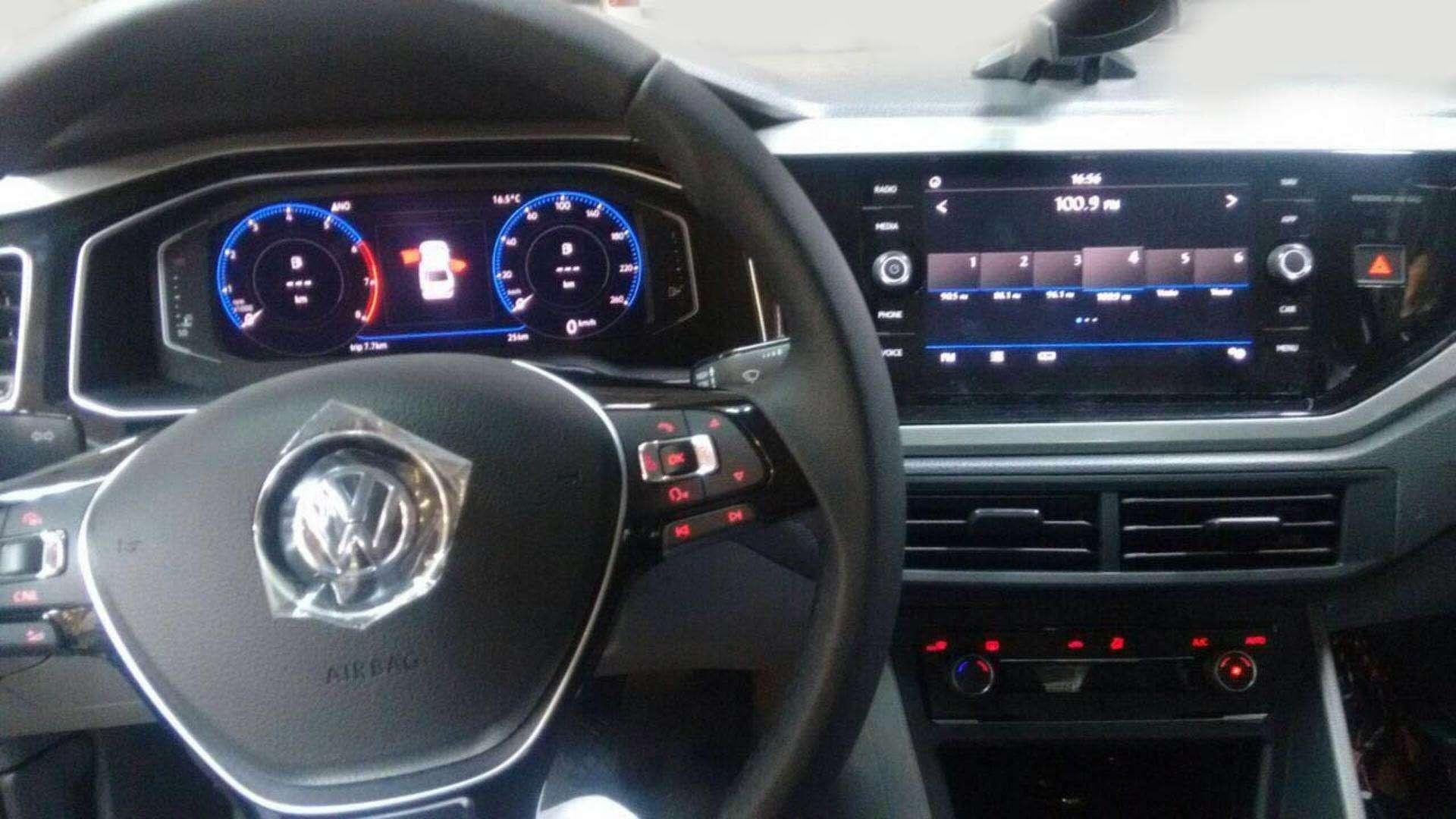 Новый VWPolo седан— шпионские фотографии— фото 780572