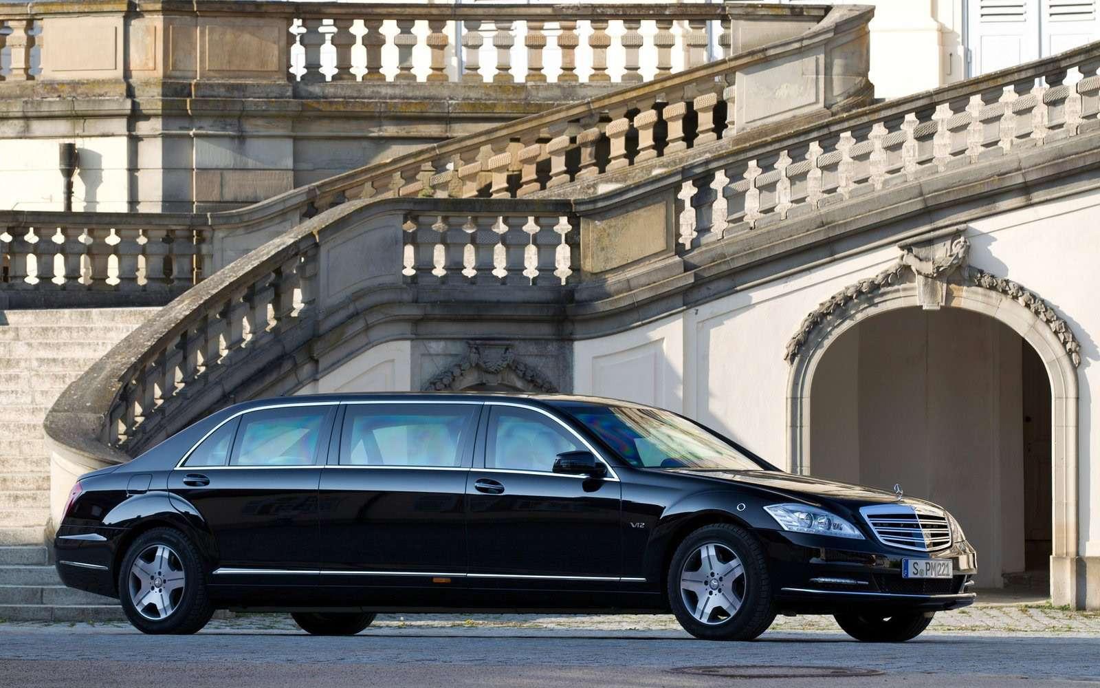 Любимые машины Дмитрия Медведева: откомбайна доАуруса— фото 945814