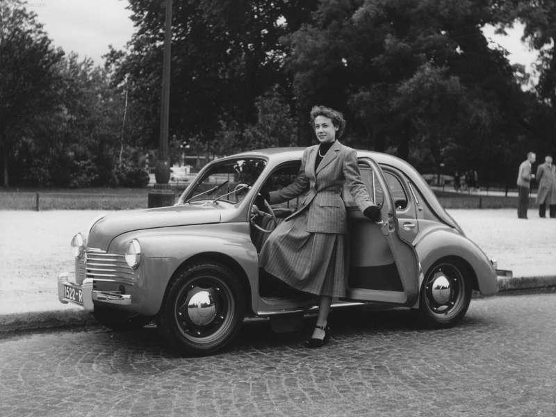 7 Renault 4CV 1948no copyright