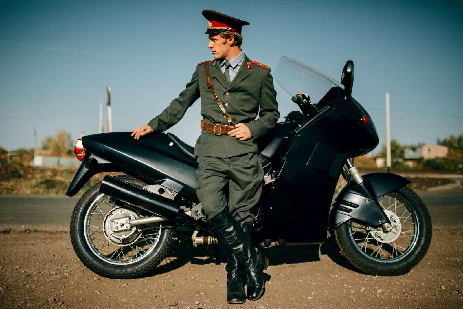 Первый советский мотоцикл сроторным двигателем: пуля сВАЗа!— фото 914959