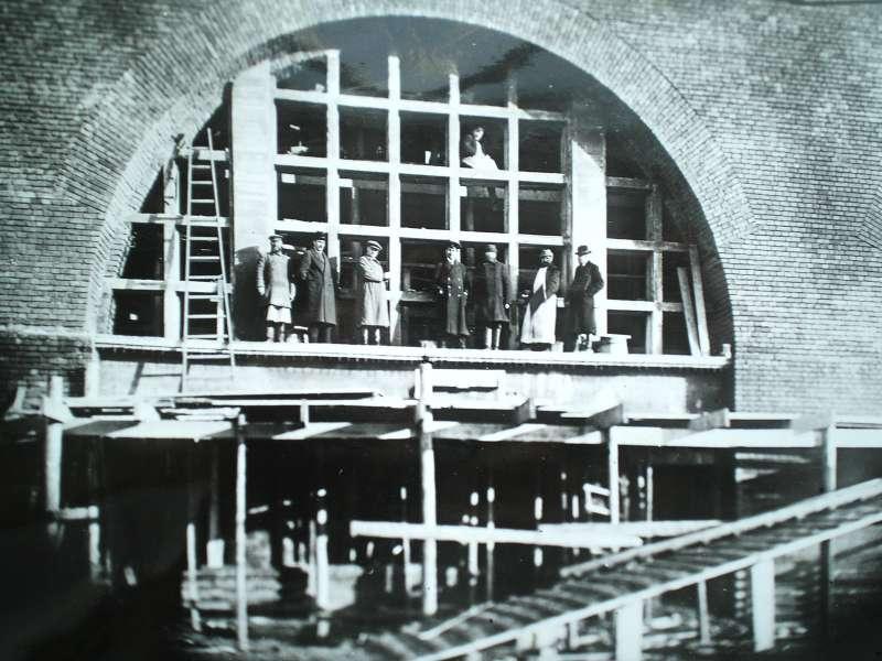 Кузнечный корпус завода АМО незадолго перед завершением строительства.
