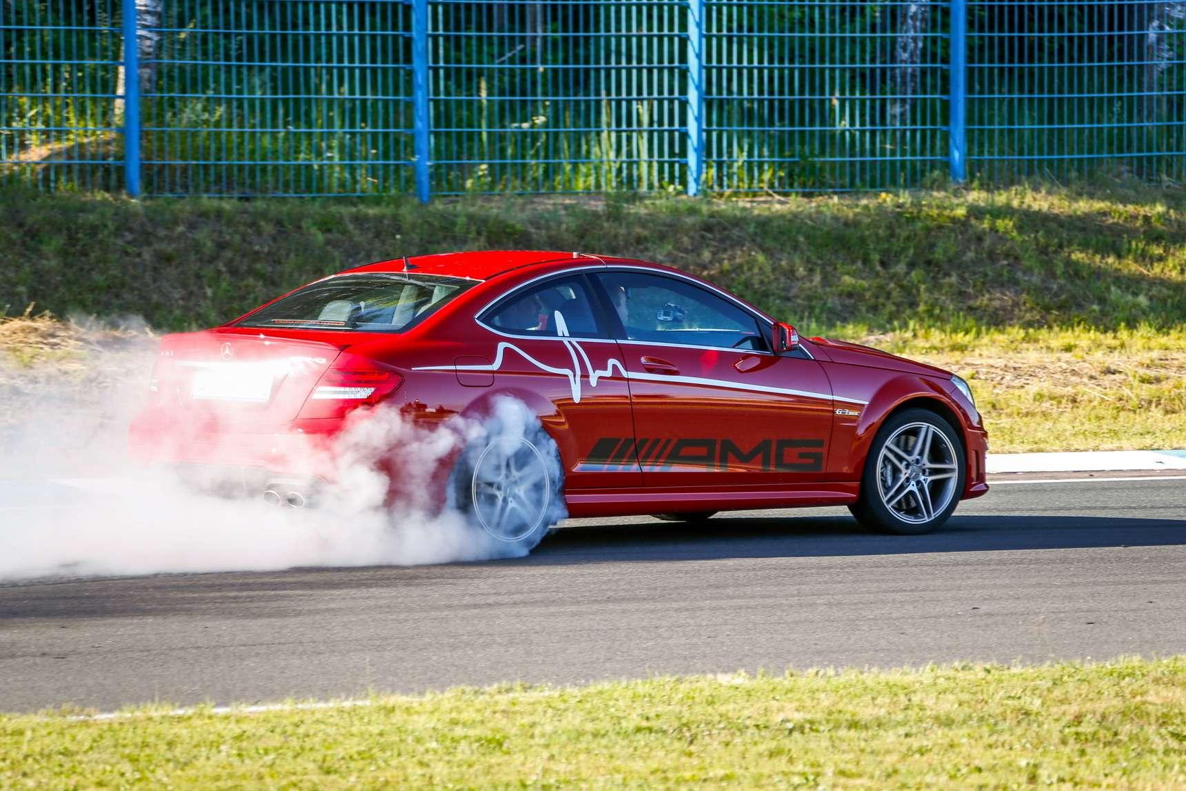 Самые быстрые автомобили вистории тестов «Зарулем»— фото 583942