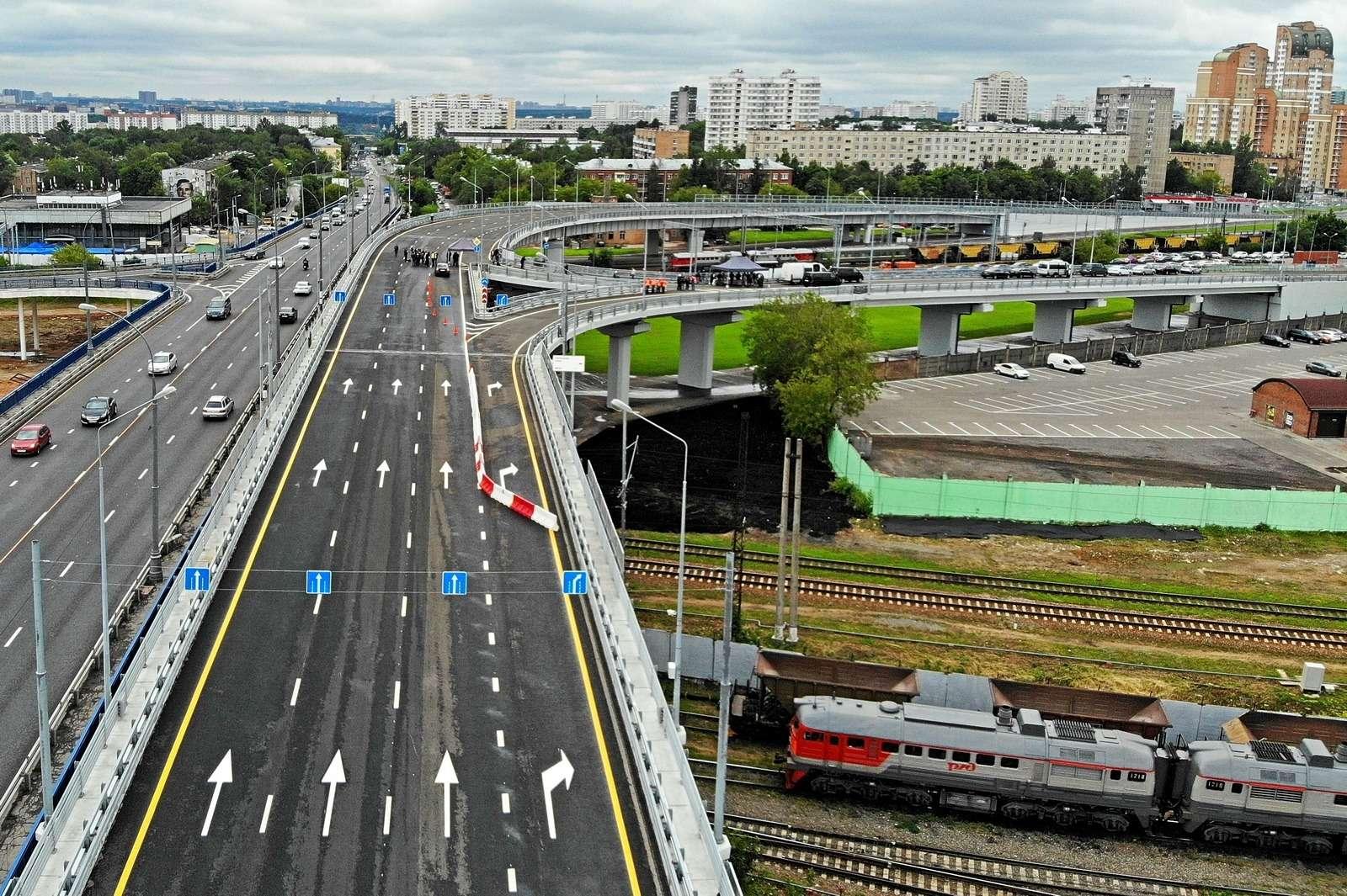В Москве открылось движение подвум эстакадам Северо-Западной хорды— фото 885479
