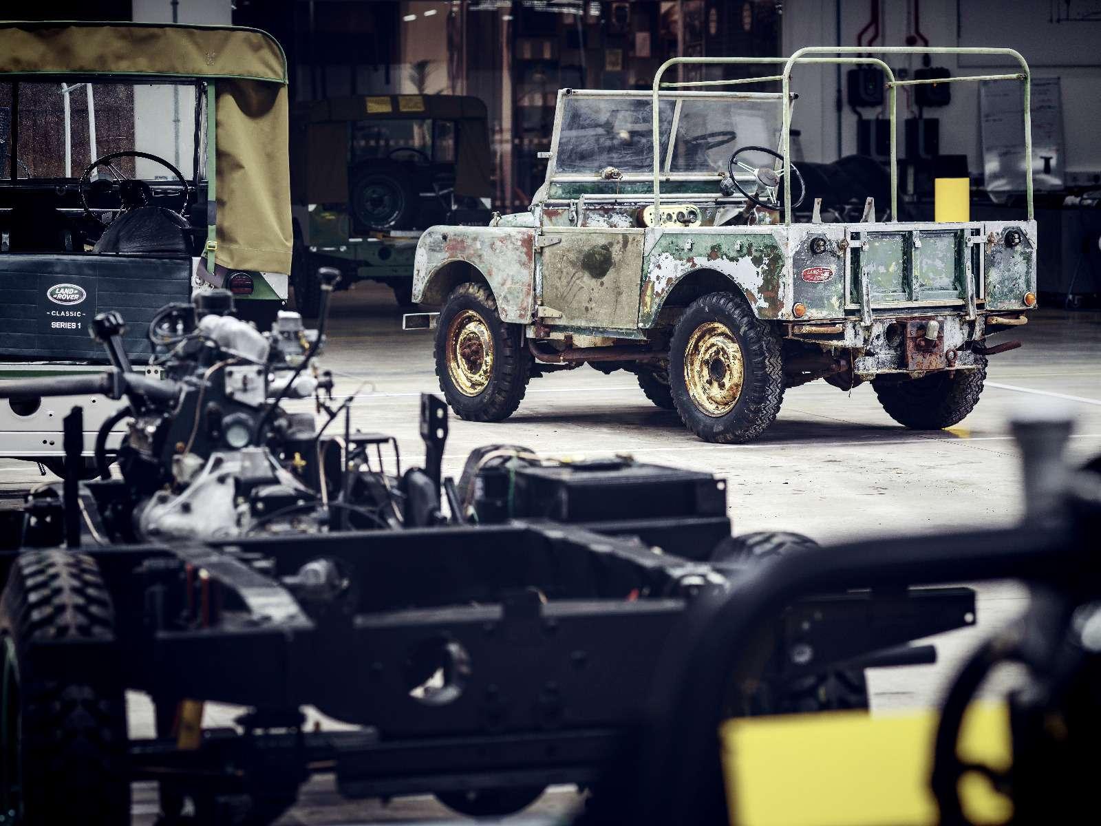 Land Rover нашел первый выпущенный компанией внедорожник— фото 834952