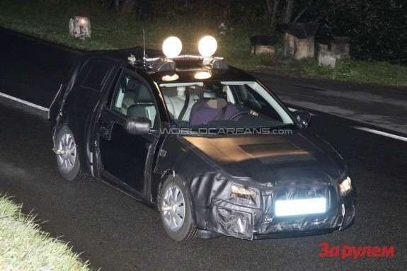 New SEAT Leon test prototype front view