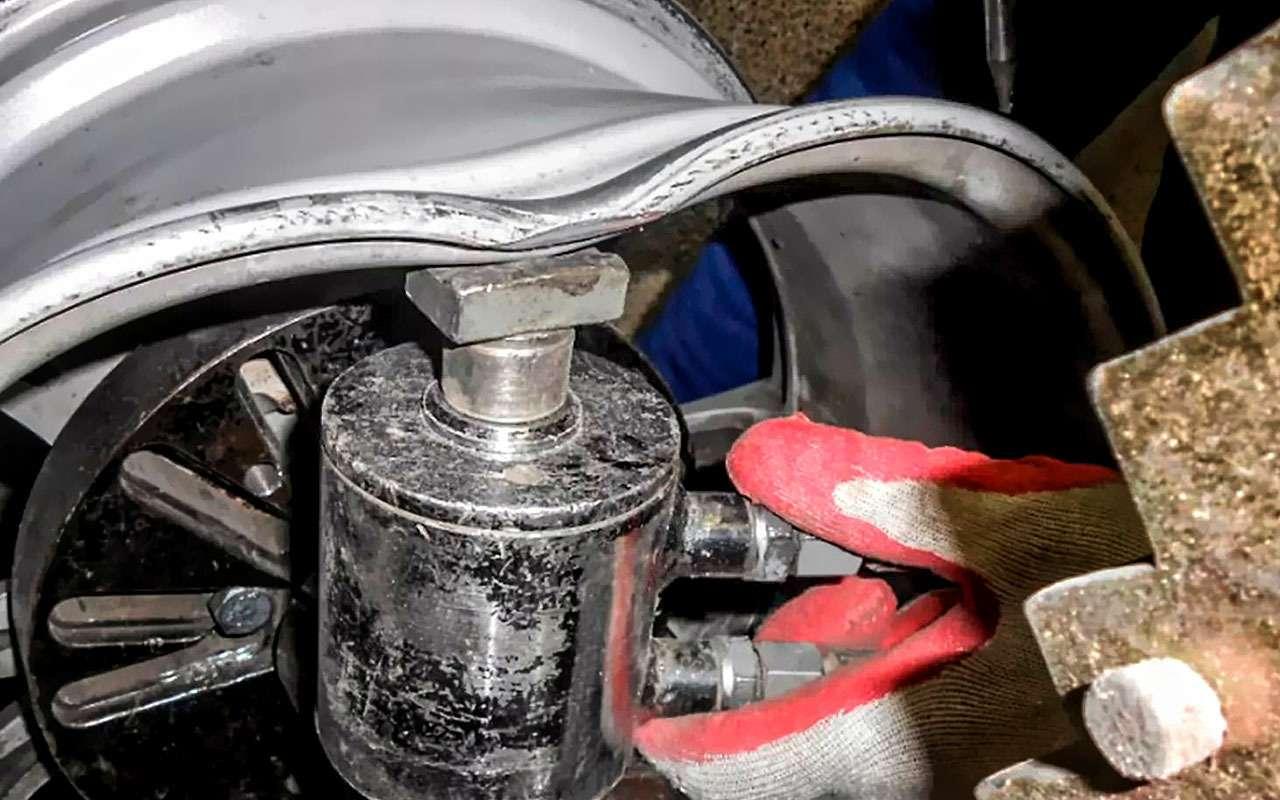Накачка шин азотом иеще 7разводок нашиномонтаже— фото 800523