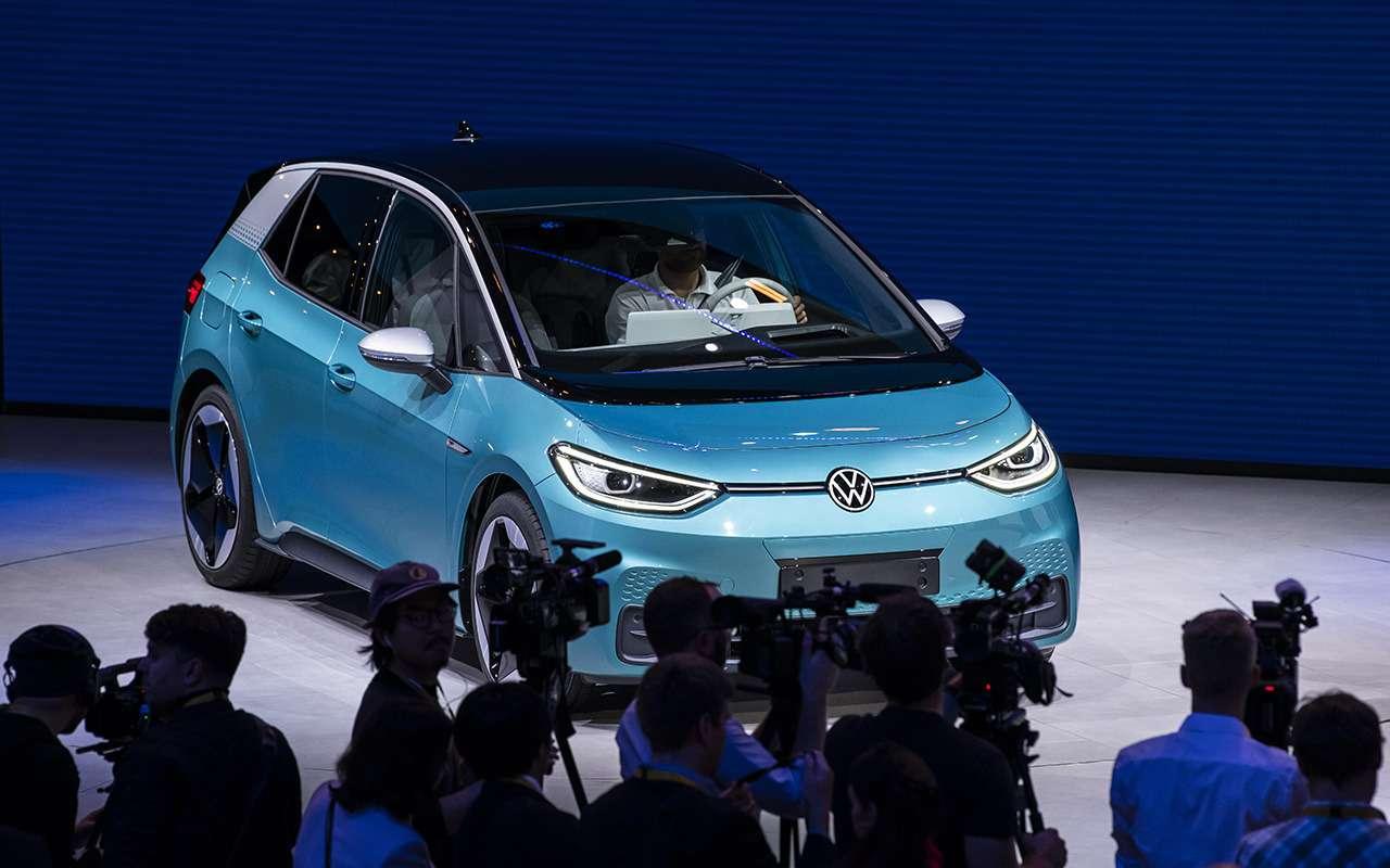 Volkswagen ID.3— запас хода 550км ибесплатная зарядка— фото 995243