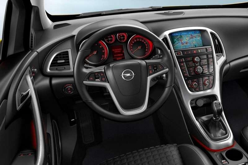 Интерьер Opel Astra GTC