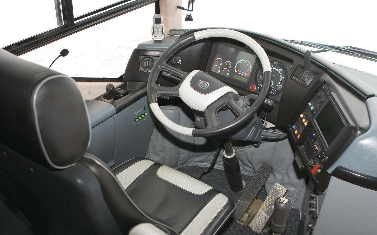 Автобус сбанкоматами иштаб— уникальные проекты «Волгабаса»— фото 1240145