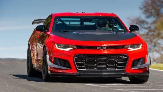 Chevrolet Camaro на треке - Ferrari и Lamborghini медленнее!