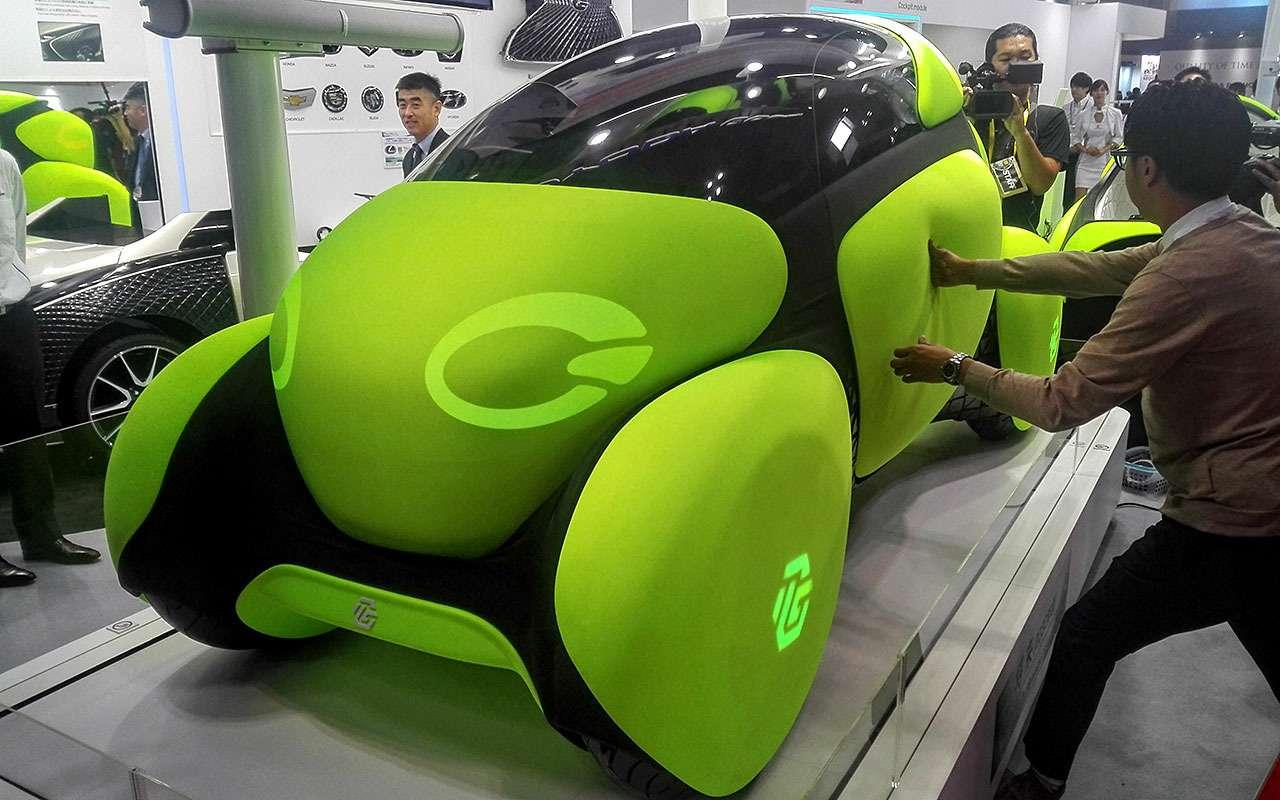 Будущее автопрома: без руля, содной педалью иврезиновом чехле— фото 809575